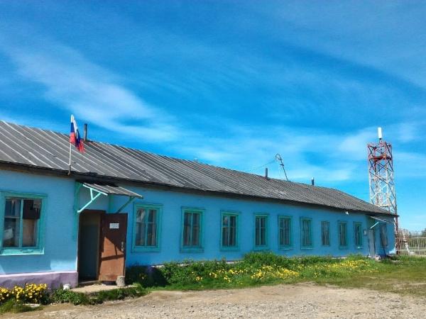 Мобильные бригады медиков продолжают осмотр населения районов Колымы