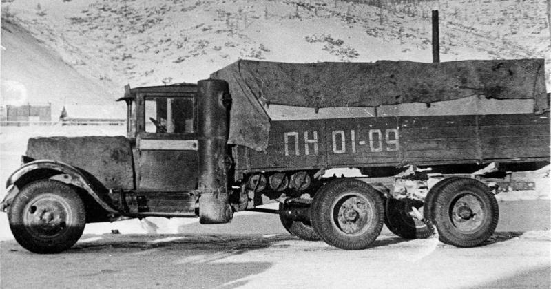 Колонна экспериментальных автомобилей вышла из Магадана к Берелёху для испытаний 80 лет назад