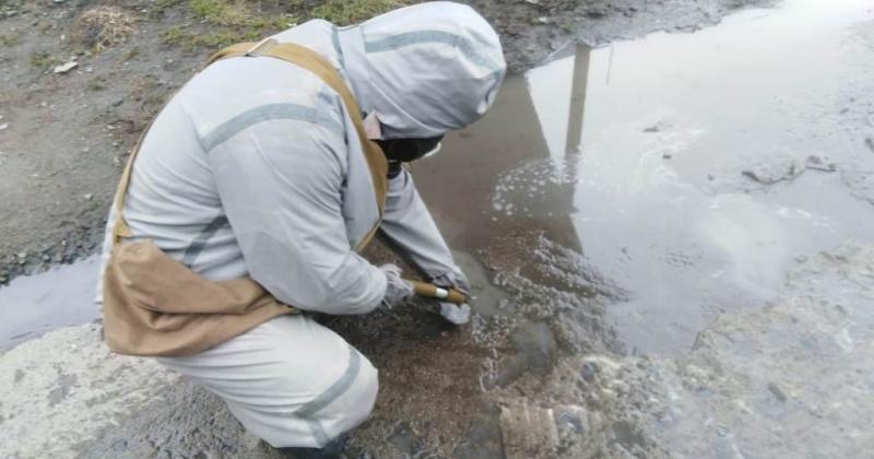 Спасатели Магадана отработали практические навыки по работе с аварийными химическими отравляющими веществами