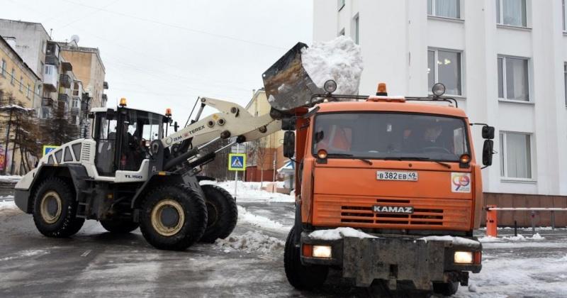 Юрий Гришан: Во дворах Магадана необходимо произвести срез наката, подсыпку дорог, убрать территории