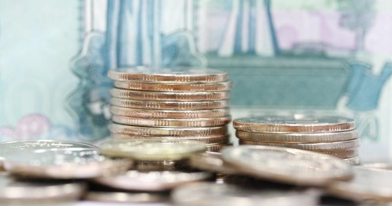 Государственным гражданским служащим на Колыме повысят зарплату