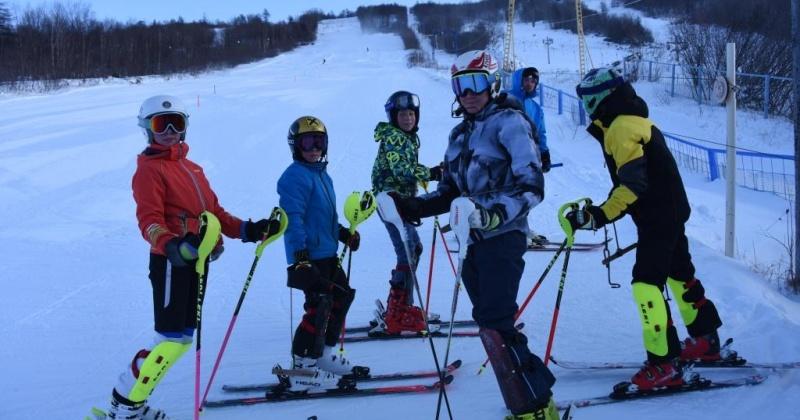 Туристический сезон в Русской горнолыжной школе открывается завтра, 21 ноября в Магадане