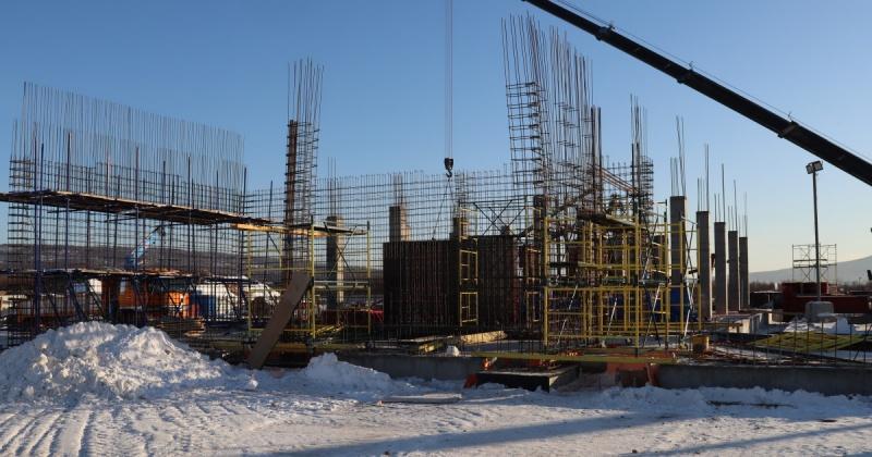 На спорткомплексе «Президентский» в Магадане строители приступили к бетонным работам