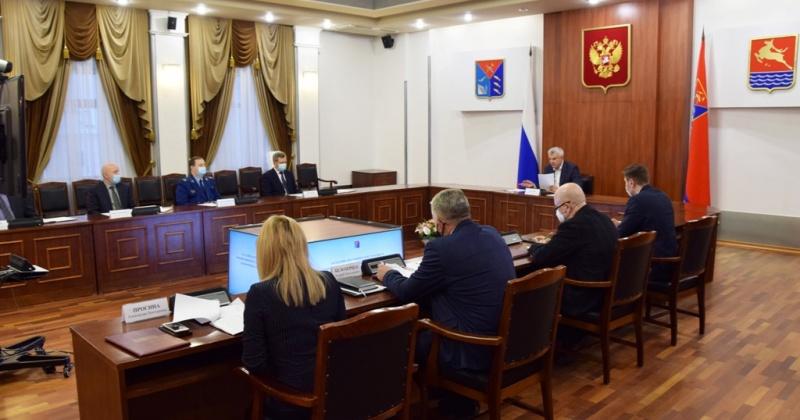 Нарушения в сфере налогообложения стали одной из основных тем совещания по обеспечению правопорядка в Магаданской области