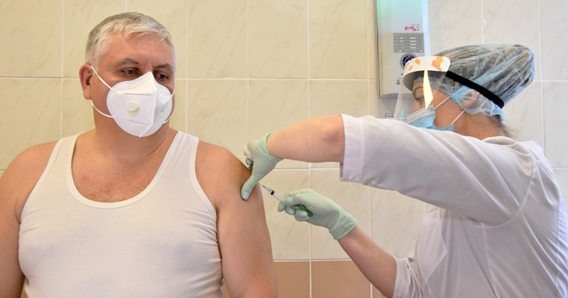 Аппарат Магаданской областной Думы участвует в вакцинации против коронавирусной инфекции