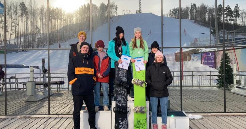 Колымские сноубордисты с победами вернулись с всероссийских соревнований