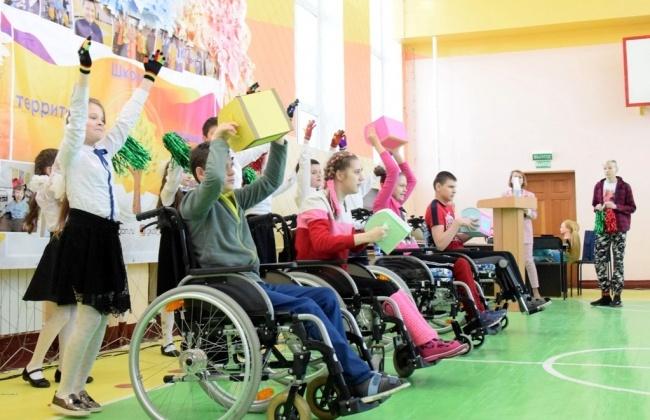 Образовательные учреждения Магадана благодарят колымских парламентариев за сотрудничество и помощь