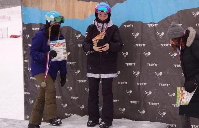 Сноубордистки Магадана завоевали золото и серебро на IV этапе Кубка России