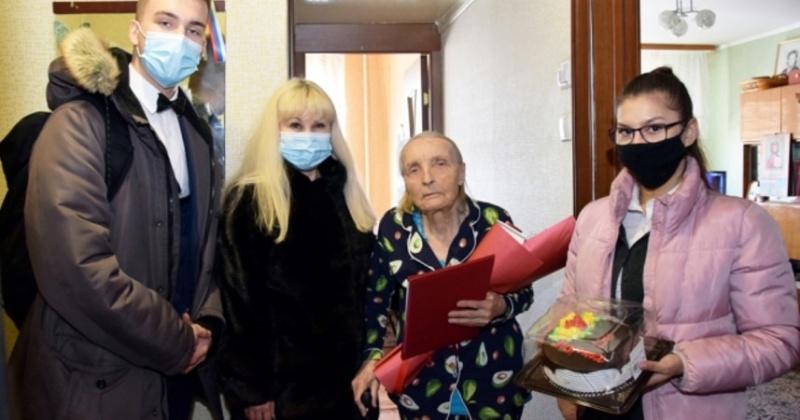 День рождения празднует легендарный колымский ветеран Александра Сафронова