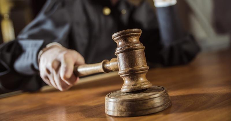 В Магаданской области вынесен приговор злоумышленнику, похитившему ювелирные изделия пенсионерки