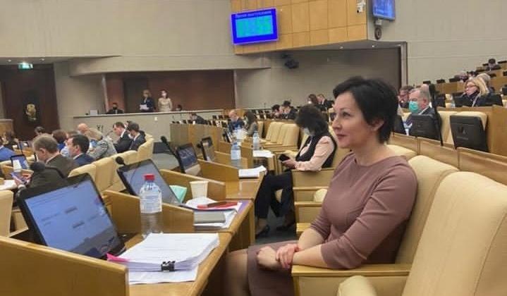 Оксана Бондарь: Включение работодателей бюджетной сферы в региональную госпрограмму повышения мобильности трудовых ресурсов посодействует снижению дефицита кадров
