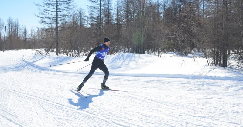 В лыжных гонках соревновались полицейские Магадана
