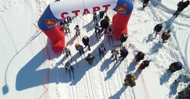 В спартакиаде «Малая лыжня Вяльбе – 2021» приняли участие команды из 16 магаданских детских садов (видео, фото)