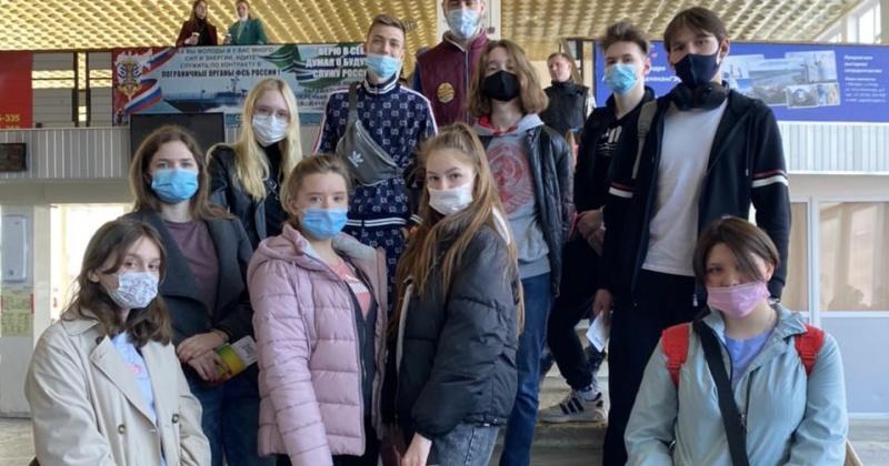 Колымские школьники вчера отправились на экскурсию в Волгоград