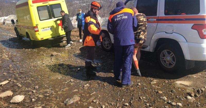Спасатели Магадана эвакуировали мужчину с ожогами с Нагаевской сопки