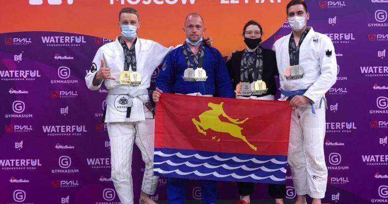 Магаданцы завоевали медали на соревнованиях по джиу-джитсу в Москве