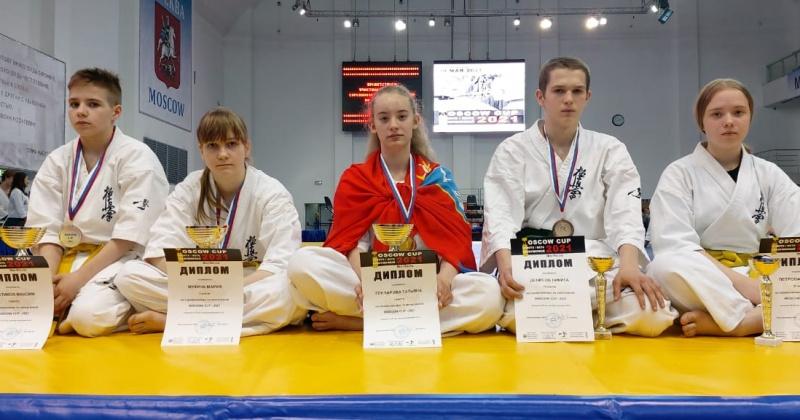 Три золотых и две бронзовых медали по киокусинкай завоевали магаданские спорстмены в Москве