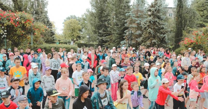 155 детей-сирот Магаданской области отдыхают в Республике Крым