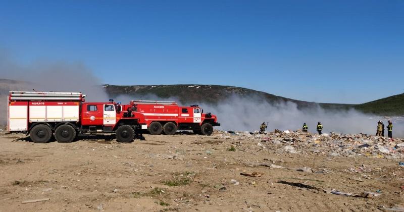 На полигоне ТБО принимаются все меры по тушению пожара.  Городские службы оперативно работают