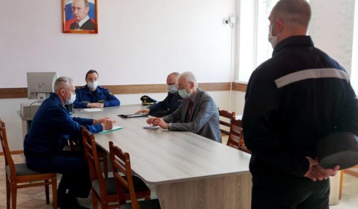 Бытовые условия осуждённых проверил прокурор Колымы