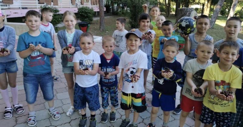 Более 350 юных колымчан сейчас отдыхают за пределами Магаданской области