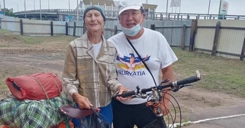 80-летняя пенсионерка-велосипедистка на маршруте Тверь - Магадан остановилась в Улан-Удэ